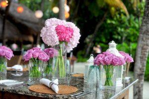 kwiaty ślubne na stół