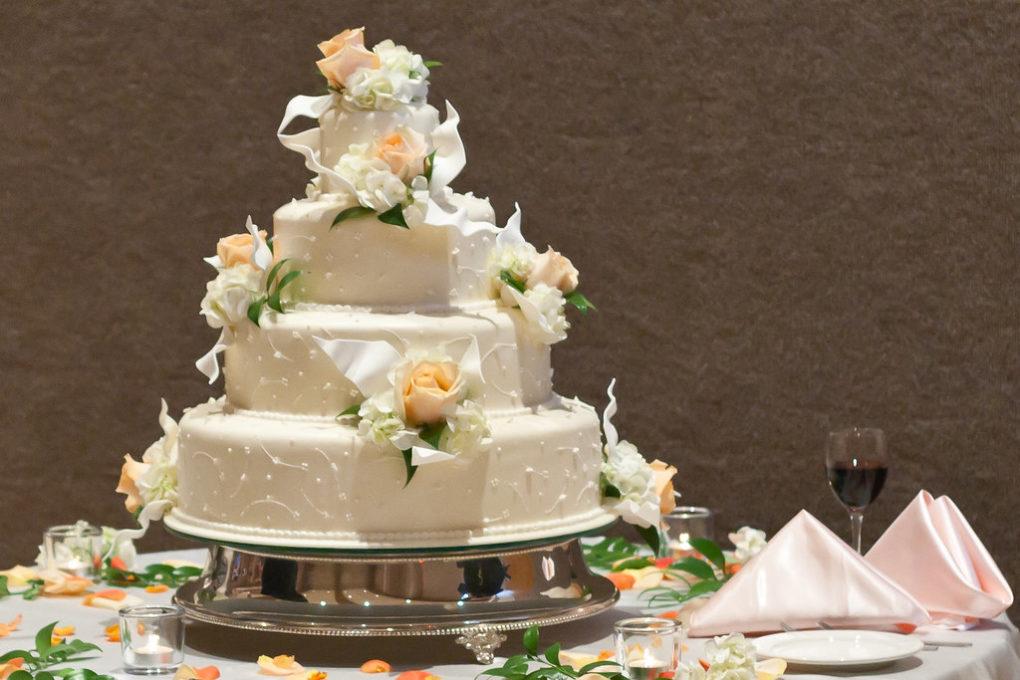 zdjęcie tortu weselnego