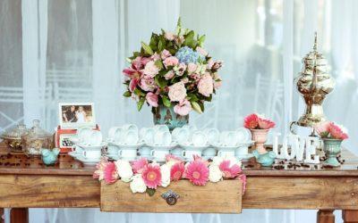 Sztuczne kwiaty ślubne: Ostateczny przewodnik