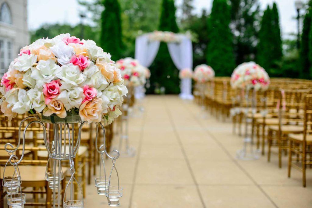 sztuczne kwiaty na ślub