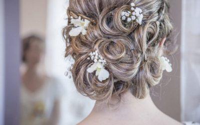 Piękne włosy na ślub – jak o nie zadbać naturalnymi sposobami?